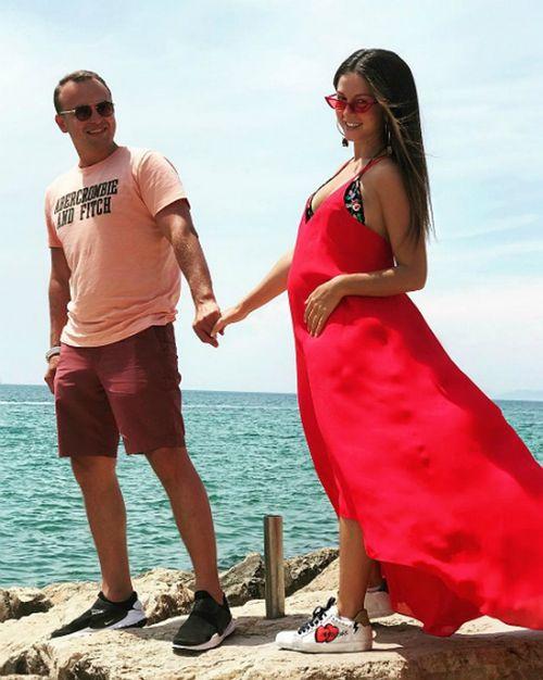 27-Летняя певица нюша официально объявила о своей беременности