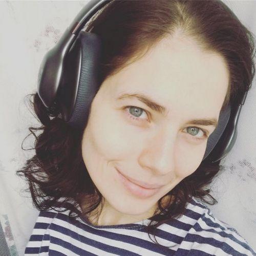 34-Летняя юлия снигирь поделилась своим домашним фото без грамма макияжа