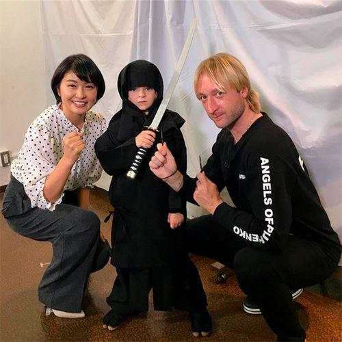 5-Летний сын евгения плющенко и яны рудковской стал настоящей сенсацией в японии