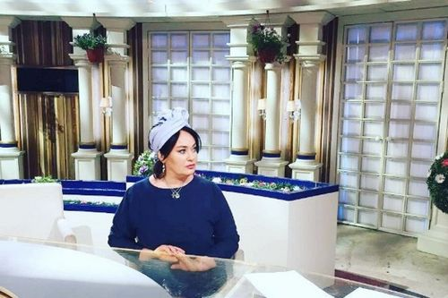 58-Летняя лариса гузеева пригрозила проклятием всем критикующим ее внешность