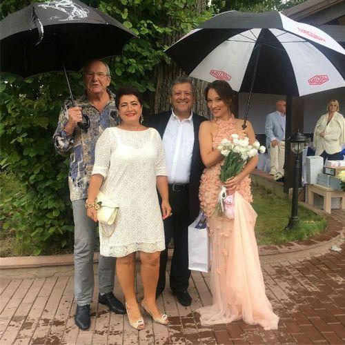 68-Летний борис грачевский сыграл пышную свадьбу с 32-летней екатериной белоцерковской