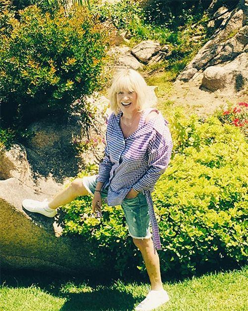 69-Летняя алла пугачева показала себя в коротких шортах