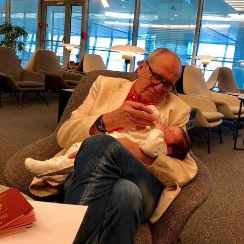 78-Летний эммануил виторган впервые опубликовал фото двухмесячной дочери