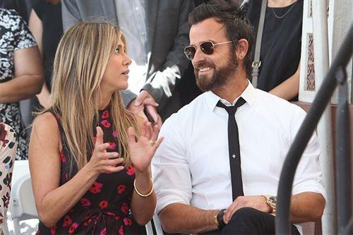 Адам сэндлер и дженнифер энистон сыграют мужа и жену в экшен-комедии