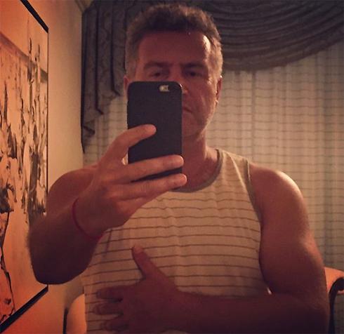 Агутин опубликовал пикантное фото