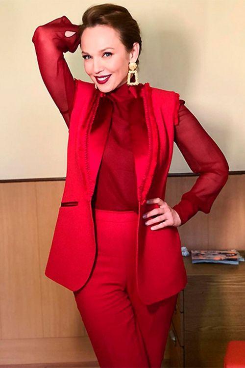 Альбина джанабаева заменила надежду бабкину в «модном приговоре»