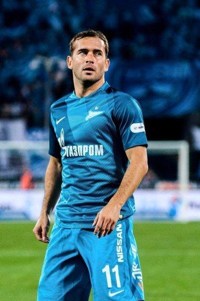 Александр кержаков завершил футбольную карьеру