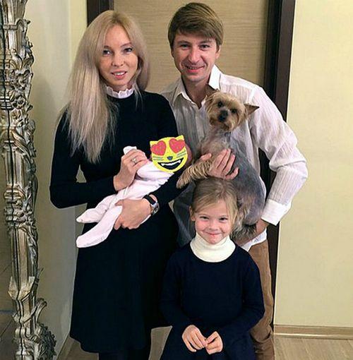 Алексей ягудин трогательно поздравил старшую дочь с днем рождения