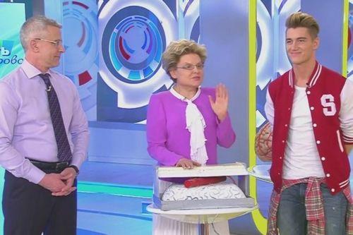 Алексей воробьев в шоу «жить здорово!» рассказал о перенесенном в 25 лет инсульте
