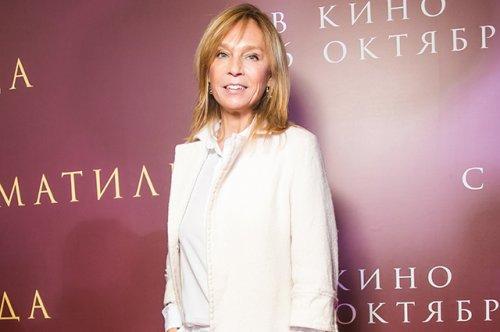 Алена долецкая стала креативным консультантом третьяковской галереи - «культура»