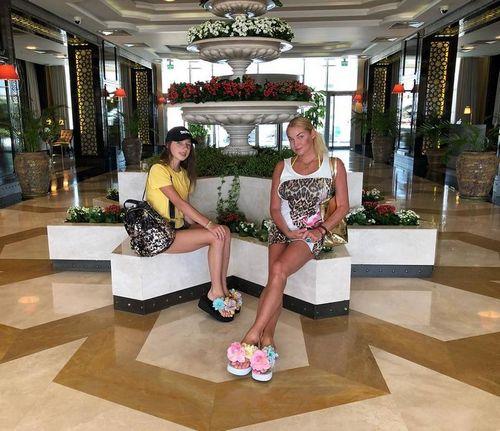 Анастасии волочковой испортила отдых на кипре безумная фанатка