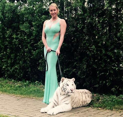 Анастасия волочкова устроила на свадьбе жаркие танцы