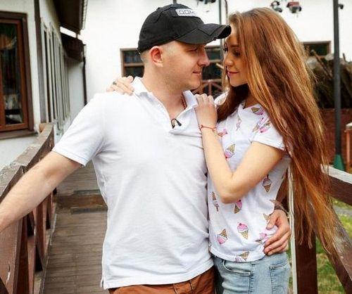 Андрей черкасов посоветовал илье яббарову и алене савкиной назвать будущую дочь алисой