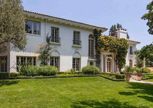 Анджелина джоли присмотрела новый дом для своей семьи за 25 миллионов долларов