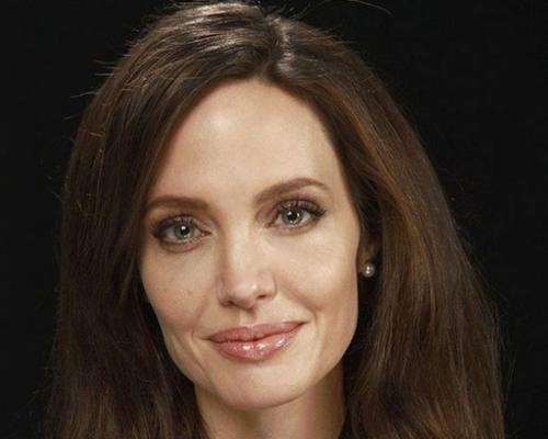 Анджелина джоли уверяет, что после развода с брэдом питтом у неё не было мужчин