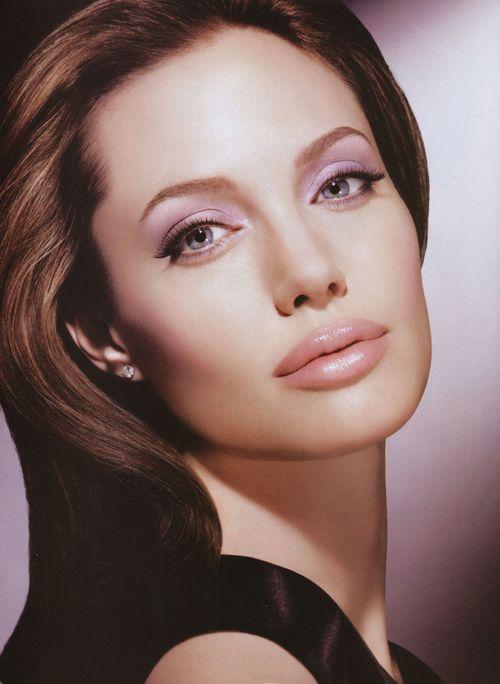 Анджелина джоли впервые высказалась о разводе с брэдом питтом