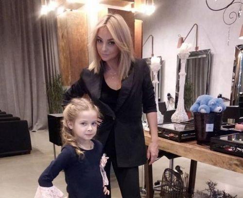 Дарья сагалова оставляет дочерей ради новых съёмок