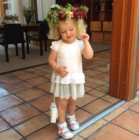 Дочь максима галкина растет невероятно красивой