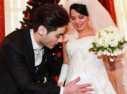 «Дом-2»: свадьба по залету гобозову важнее операции матери