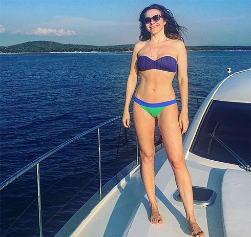 Екатерина гусева провела 40-летие в купальнике