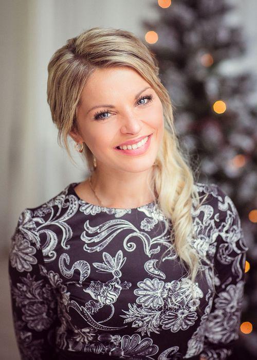 Елена купрашевич: «я отношусь к нашим сериалам априори очень хорошо, ведь в них снимаются мои коллеги по цеху»