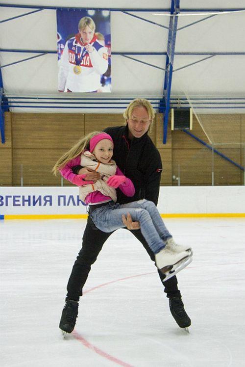 Евгений плющенко исполнил мечту девочки с дцп стать фигуристкой