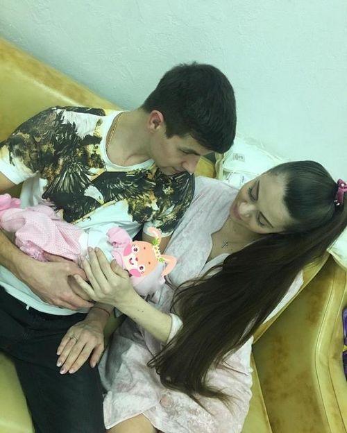 Фанаты уверены, что ольга рапунцель и дмитрий дмитренко хотят заработать на имени новорожденной дочери