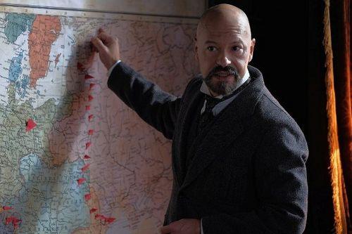Федор бондарчук назвал роль парвуса в сериале «демон революции» самой сложной в своей карьере