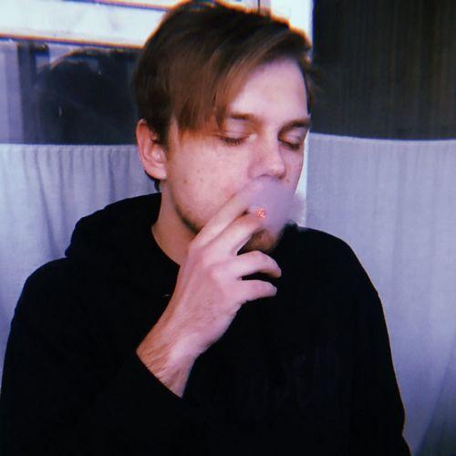 Филипп киркоров нежно поцеловал ольгу бузову