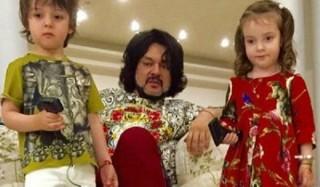 Филипп киркоров задумался об усыновлении ребенка
