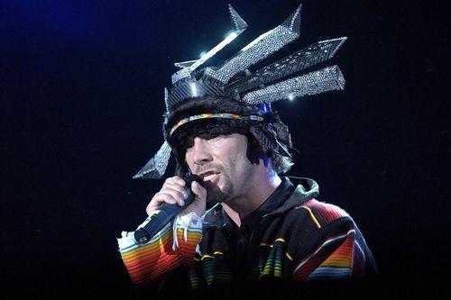 Группа jamiroquai выступила на премьере новой audi a4