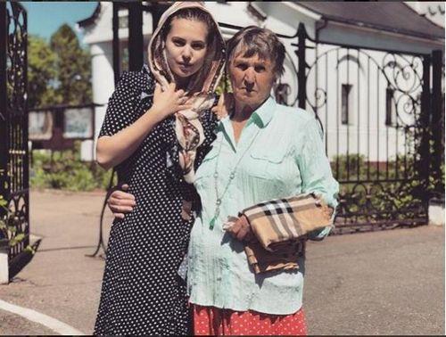 Экс-участница «дома-2» александра артемова заявила, что любит проводить время с бабушкой