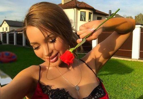 Экс-участница «дома-2» евгения феофилактова сожгла себе грудь на солнце