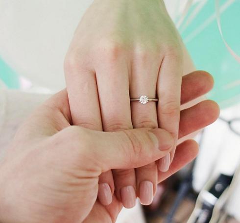 Экс-участница serebro выходит замуж