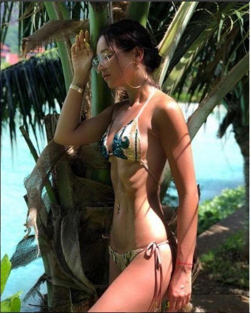 «Это как раз мой вариант!»: ольга бузова уверена, что мужчинам нравится ее грудь