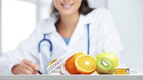 Кому и когда стоит обратиться к диетологу-эндокринологу?