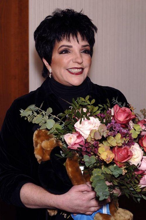 Лайза миннелли не одобрила съемки биографического фильма о ее матери с рене зеллвегер в главной роли