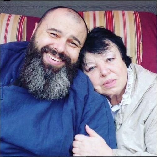 Максим фадеев показал подписчикам свою молодую маму