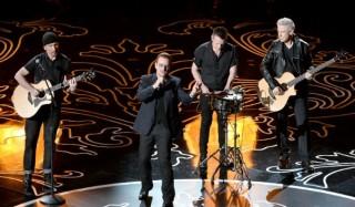 Мировые звезды отменяют концерты во франции