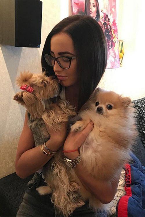 Мне б такой собачьей жизни: 10 самых умилительных звездных питомцев – символов 2018 года