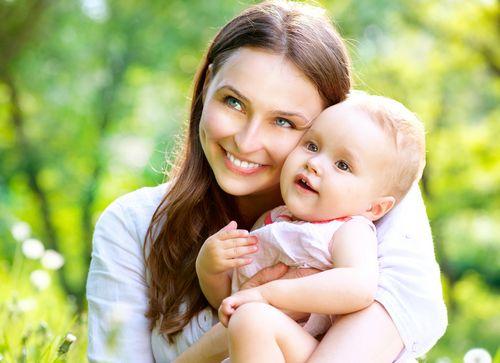 Молодая мама кети топурия показала идеальную фигуру вмикрокупальнике