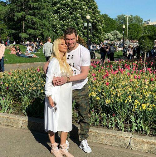 Муж показал семейную идиллию с беременной лерой кудрявцевой