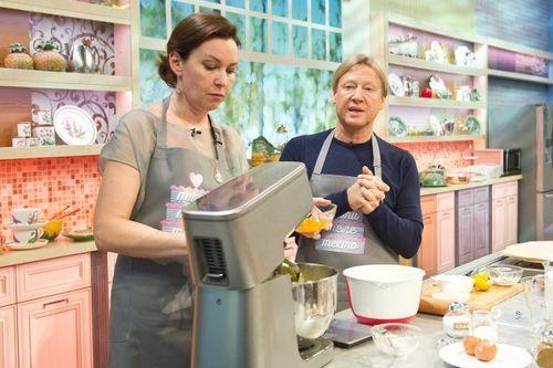 На первом канале стартует кулинарное шоу ларисы гузеевой «тилителетесто»