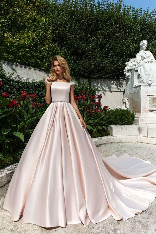 Наряд невесты: как выбрать платье по фигуре?