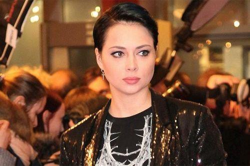 Настасья самбурская задумалась об окончании карьеры актрисы