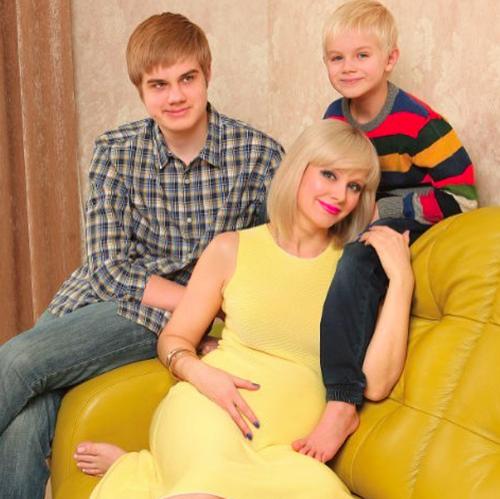 Натали родила третьего сына