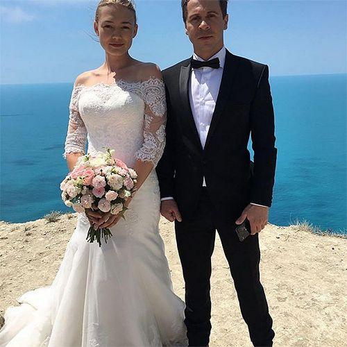 Оксана акиньшина надела свадебное платье на съемках сиквела комедии «супербобровы»