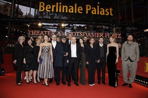 Ольга зуева поддержала данилу козловского на премьере «довлатова» в берлине