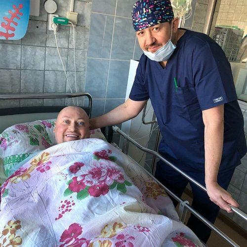 Перенесший сложную операцию певец шура организовал в больнице группу «шурановские бабушки»