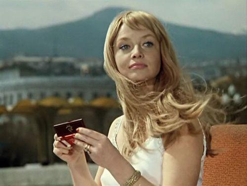Первый канал снял документальный фильм о личной драме актрисы натальи кустинской